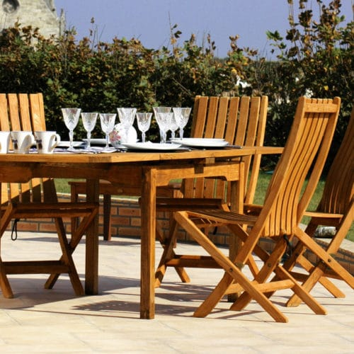 Exterior wood preserver Aquadecks used on garden table and chairs