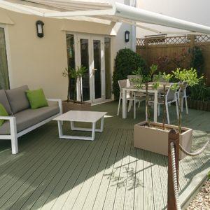 SCS on garden deck by Ian Ferguson