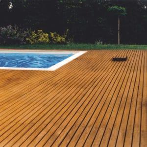 Deks Olje D1 on pool decking
