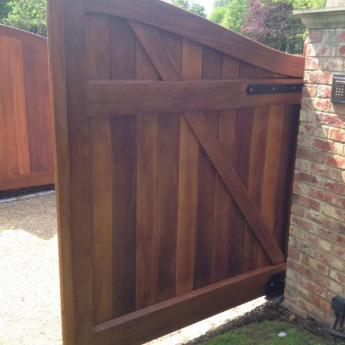Oiled Gate using D1 Pro