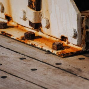 Rust inhibiting Marine Oil