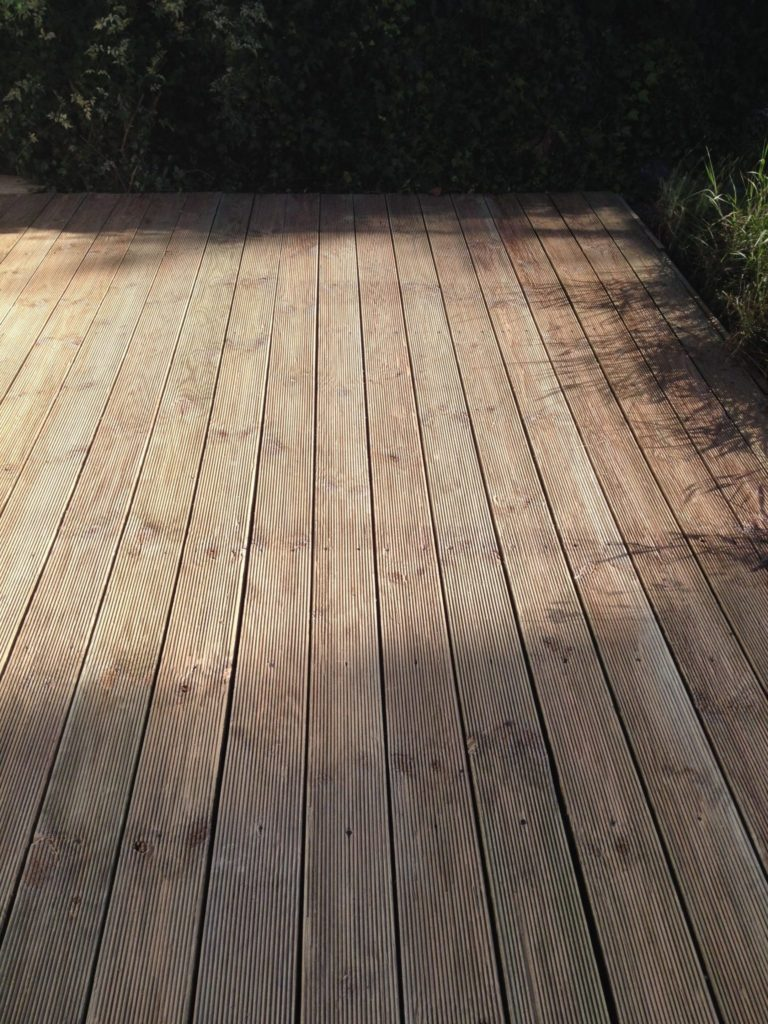Reeded decking after Net-Trol