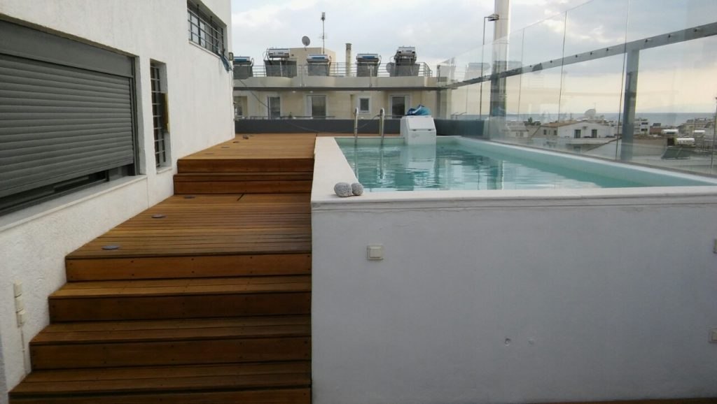 Poolside decking complete using Aquadecks