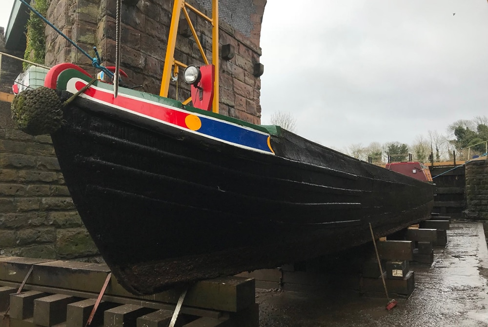Maintaining the hull of your boat