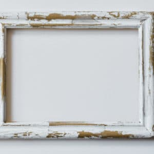 Antik Crackle paint effect on frame with hot water