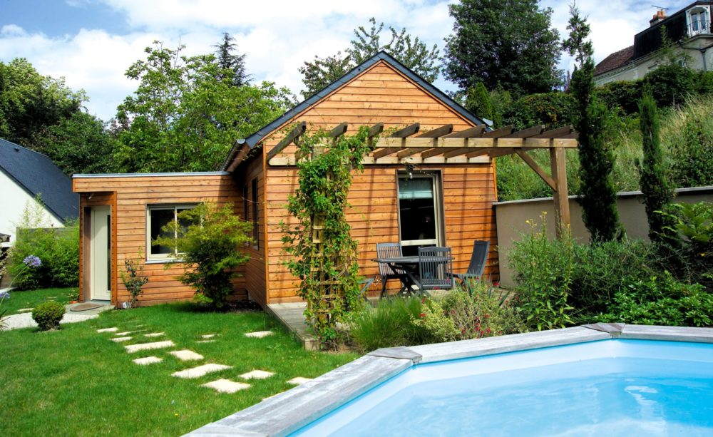 Wood cladding finished and protected with Aquadecks