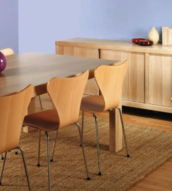 Linitop Acryl Vernis on dining table and chairs