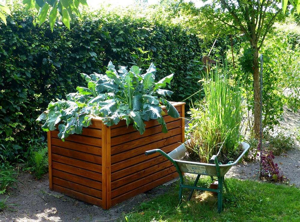 free standing raised garden bed