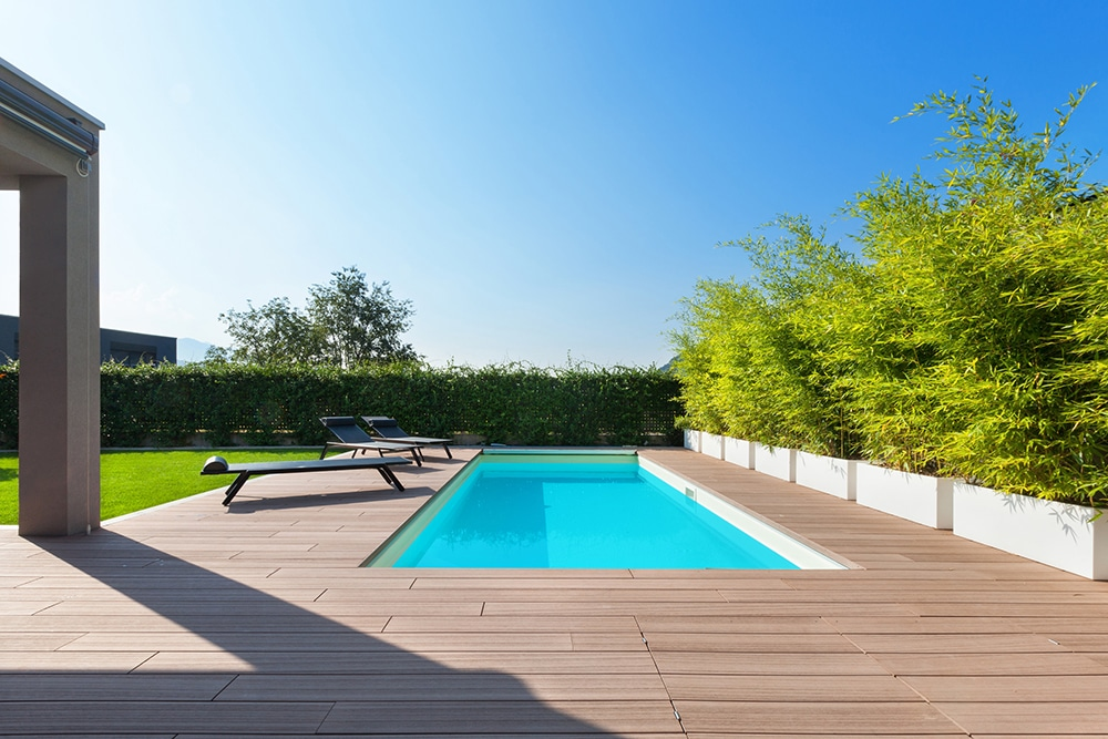 House with swimming pool, outdoors