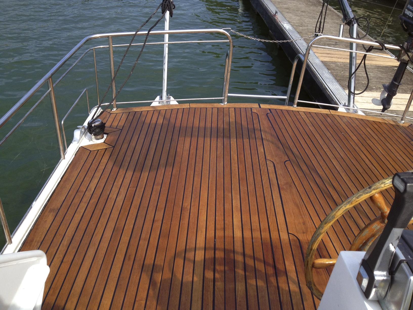 Deks Olje D1 applied to a boat deck