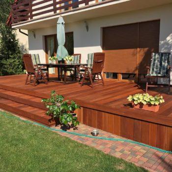 D1 Pro on a garden deck