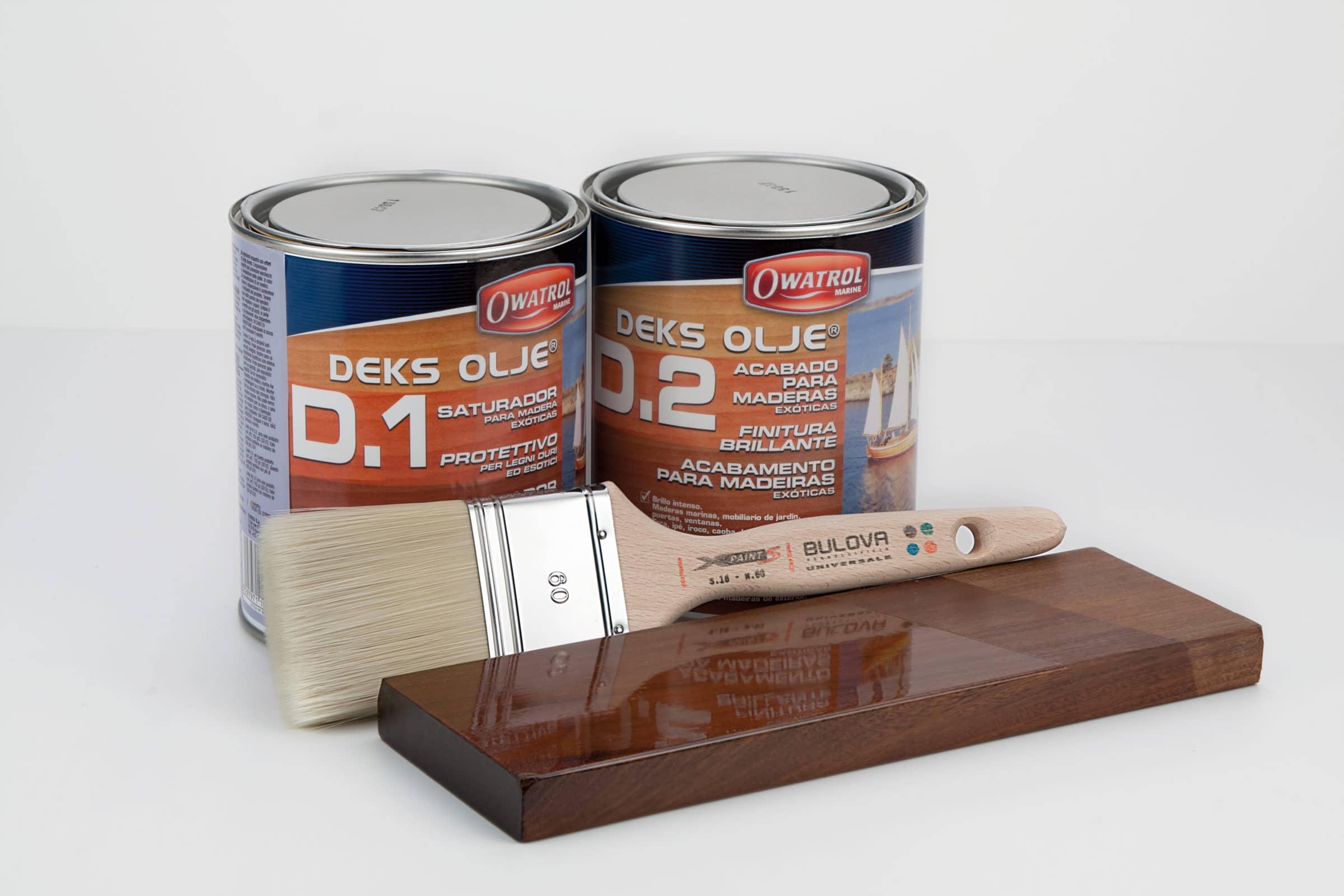 Deks Olje D1 and D2 applied to wood sample